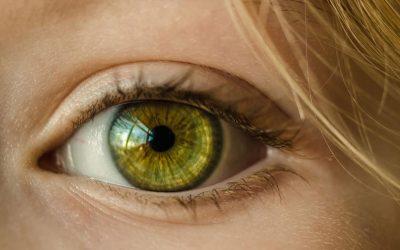 6 symptomów wskazujących na problem ze wzrokiem u dziecka