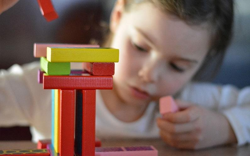 Sprawdzone sposoby na trening koncentracji u dziecka