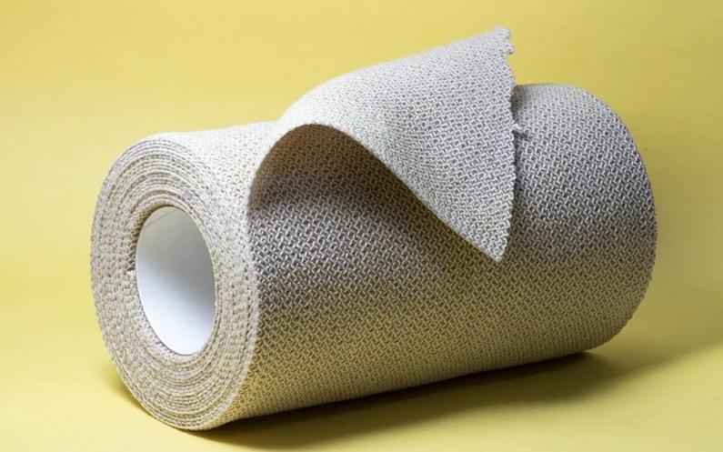 Plastrowanie, czyli kinesiotaping (taping) w logopedii
